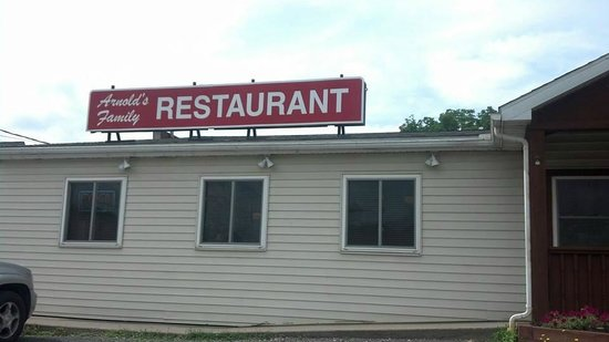 Arnold's Family Restaurant: conveniently located in a safe quiet neighborhood