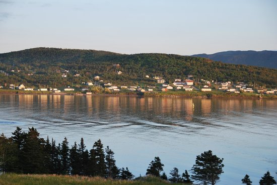 Meeting Hill Cottages: Rocky Harbour at sunset