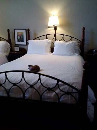 The Bradley Boulder Inn: comfortable bed