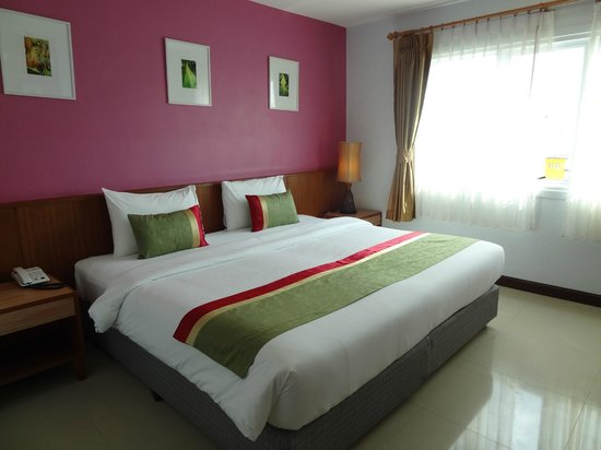 Sabai Wing: Good modern room