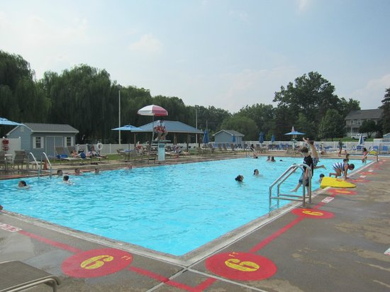 Hersheypark Camping Resort: Pool area.