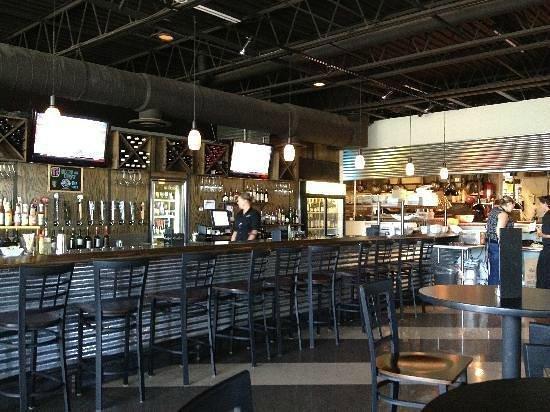 Cribbs Kitchen: Bar Area