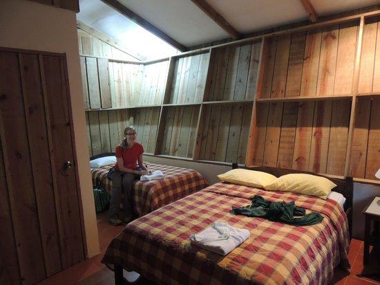 Hotel Faro Arenal: inside the cabina