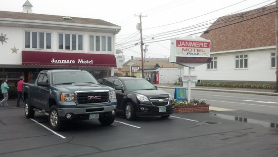 Janmere Motel: parking included