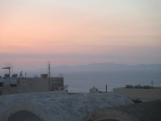 Old Oia Houses: Sunset in Oia
