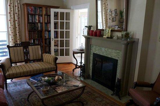 Harrington House : Living Room