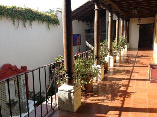 Hotel Posada Placida Antigua: Indoor courtyard view