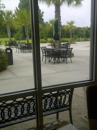 Holiday Inn Hotel & Conference Center: view of patio area