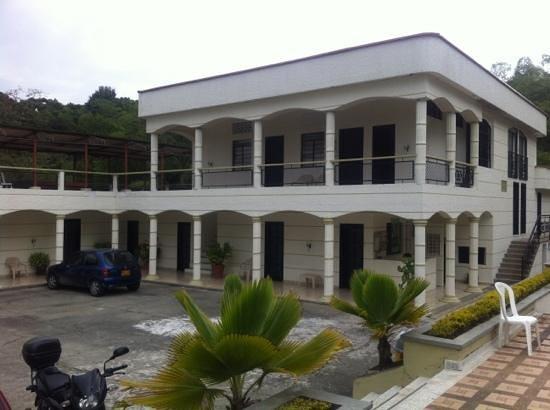 Hotel Campestre Real: Vista desde la entrada