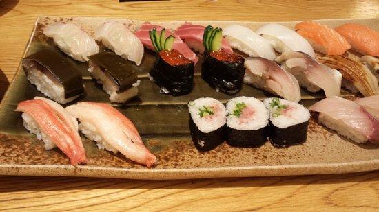 Ganko Sanjo Honten: Sushi selection