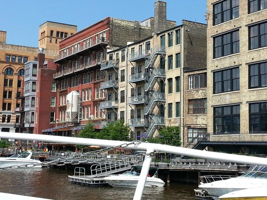 Milwaukee Boat Line: Historic Third Ward from Milwaukee Boat Tour