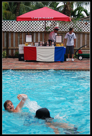 CrepeMaker Catering: pool 2