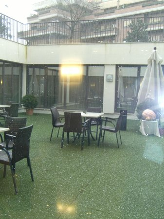Cardinal Hotel St. Peter: It was hailing, so we didn't get to take advantage of it.