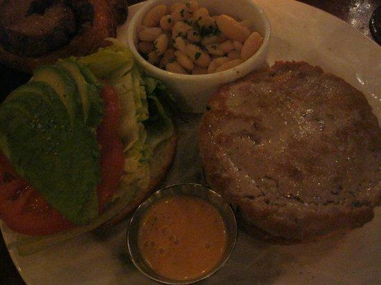 La Grande Orange Cafe: 期待以上に美味しく頂きましたサーモンバーガーです
