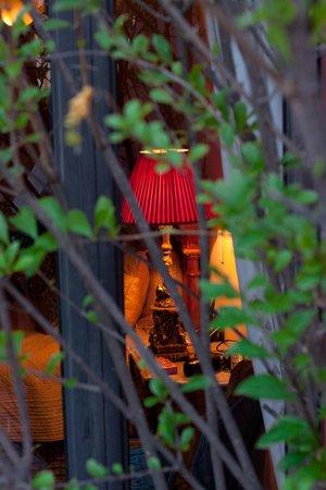 Casa Misha: View into Terraza