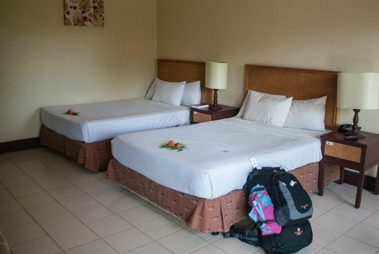 Tanoa Skylodge Hotel: Second room we were given after complaining