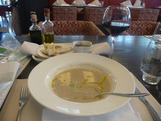 Holiday Inn Abu Dhabi: Mushroom soup, bread and wine – my Lemon Tree starter.