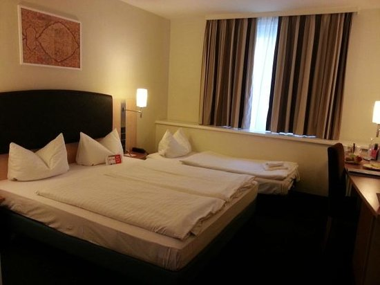 InterCityHotel Vienna: room