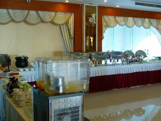 River Palace Hotel: 朝食ビュッフェ