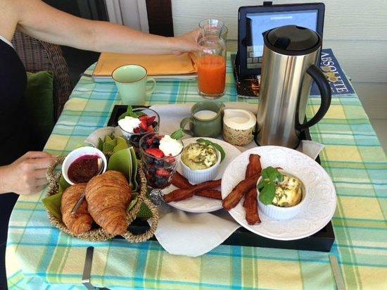 Forgotten Hill Bed & Breakfast: Breakfast day one ( great bacon)