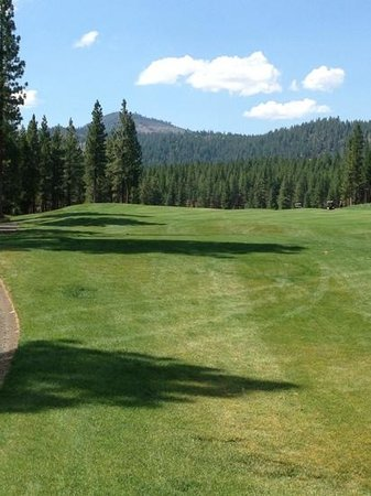 Grizzly Ranch Golf Club : the 3rd hole at Grizzly, beautiful golf hole
