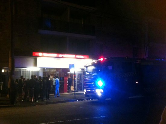 Waldorf Sydney Central Serviced Apartments: mid-fire alarm, shot from outside the front