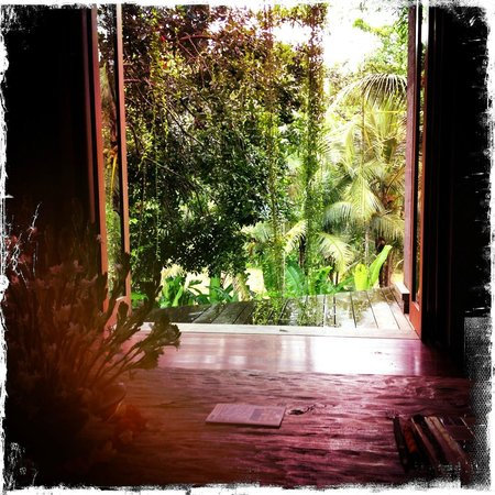 Soulshine Bali: View into the outside from the main living space of the Terrace villa. Indoor/Outdoor living.