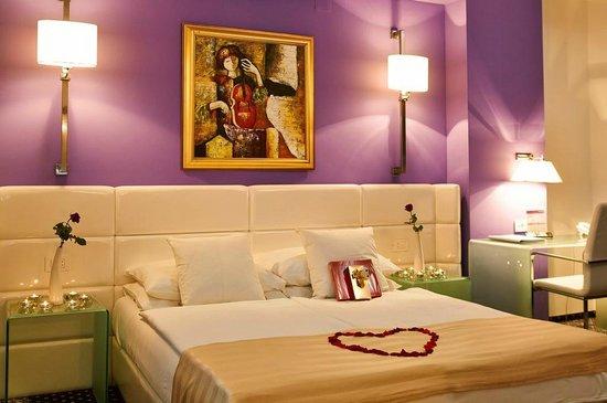 Hotel Phoenix: Deluxe Romantic Room