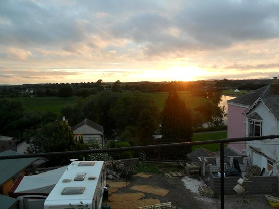 Radcliffe Guest House : Evening view from Radcliffe House