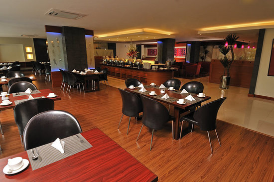 Asana Kawanua Jakarta : Nyiur Melambai Restaurant offers a tempting selection of Indonesian and Manado dishes