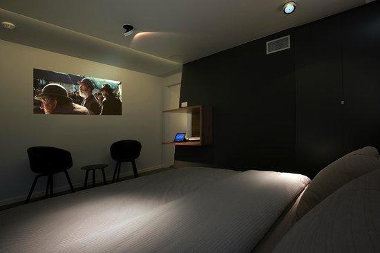 Snooz Inn: Room .02