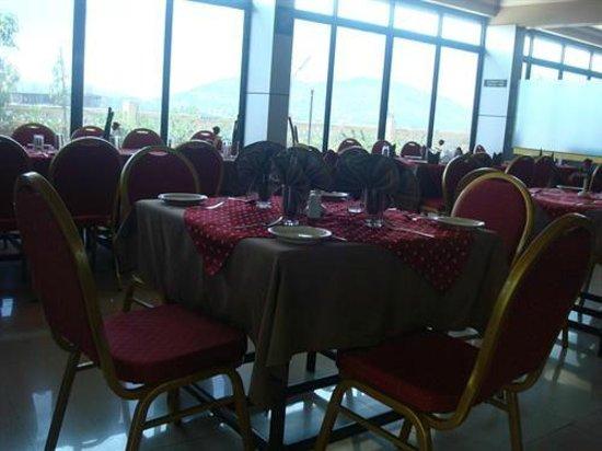 Hotel Greenland Delsol: Dinind