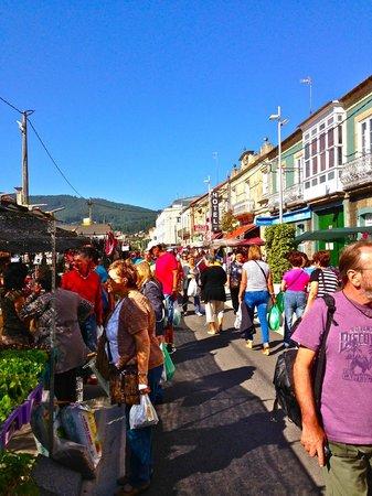 Hotel Arce: El mercado local en la calle Valverde.