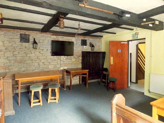 The Fountain Lodge: Living Area