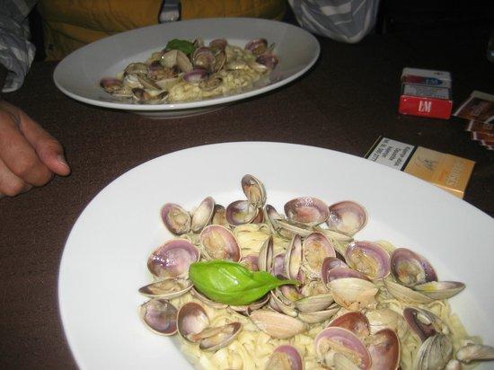 Carpymore: Hausgemachte Pasta mit Venusmuscheln