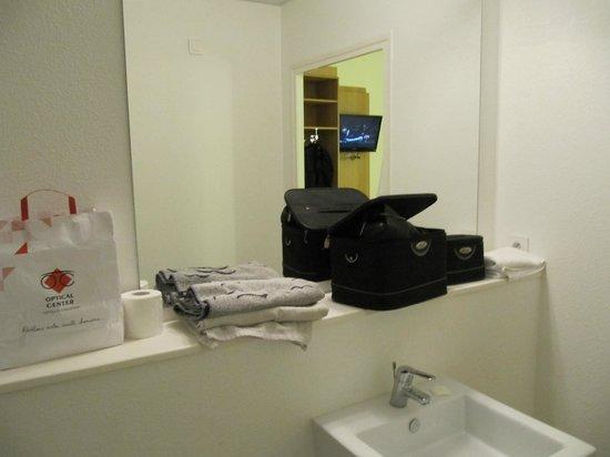 Ibis Budget Aeroport le Bourget Garonor : coté vasque