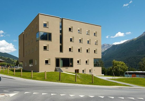 Scuol Youth Hostel : Aussenansicht