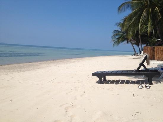 B52 Beach Resort: beautiful beach em and Si