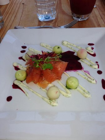 The Sun Bay Hotel: SALMON - BEAUTIFUL