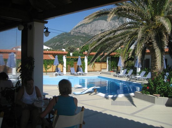 Votsalakia Hotel: Breakfast view of Mount Kerkis