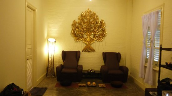 The Eugenia Spa: The chairs for foot rinsing