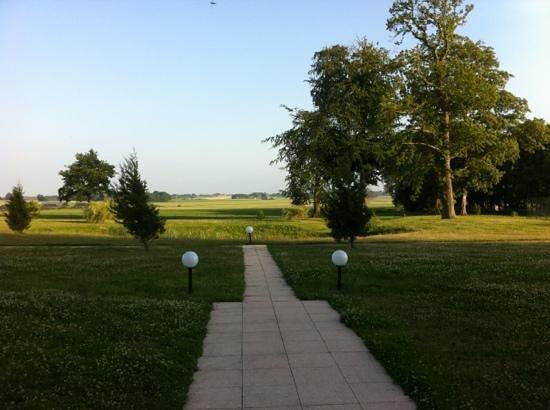 Residence Goelia Les Portes d'Etretat: vu du jardin pendant déjeuner