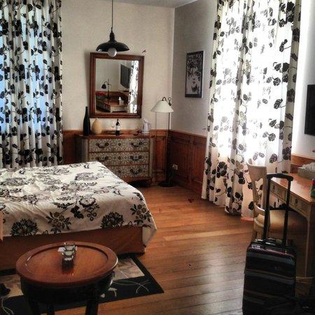 Chateau de Mole: Carmelot room