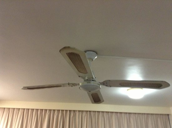 Club Surfers: The Ceiling fan has seen better days