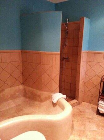 Hotel Molino Del Puente Ronda: shower