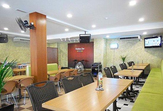 Hotel Damai: Station One Cafe
