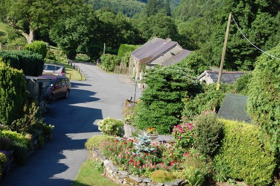 Cwmanog Isaf Farm Bed and Breakfast