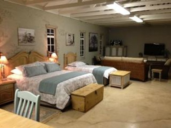 Anne's Place Potchefstroom: Family suite but also perfect as honeymoon suite
