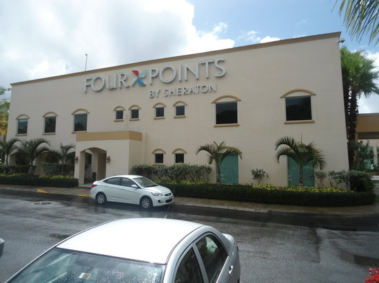 Four Points by Sheraton Caguas Real Hotel & Casino : hotel front
