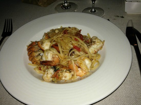 Essque Zalu Zanzibar: tagliolini allo scoglio richiesti da noi allo chef ;-)